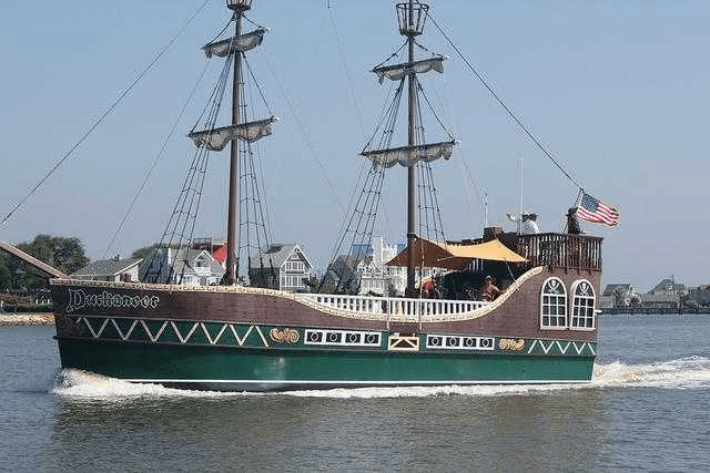 duckaneer pirate ship